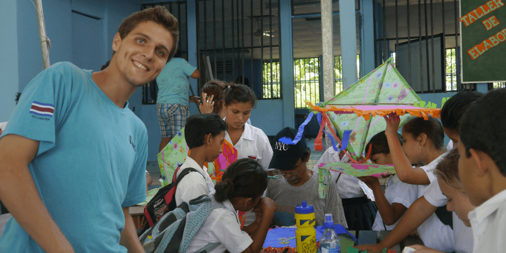 There are many reasons to volunteer abroad for spring break 2018. It's more immersive, often cheaper, will allow you to travel with a purpose and add to your professional portfolio.