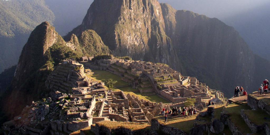 volunteer in peru and experience the magnificent Machu Picchu