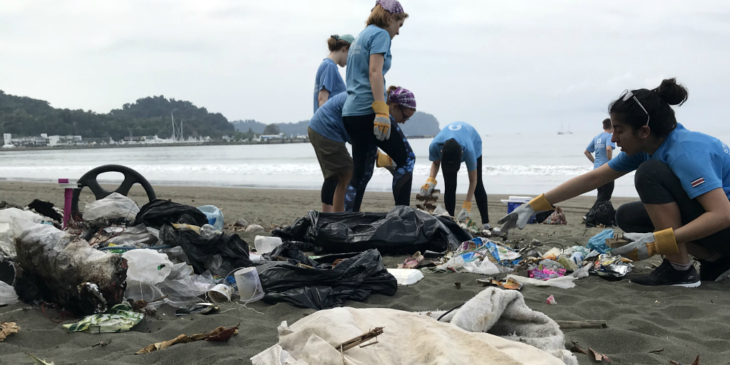 GVI participants complete a beach cleanup in Quepos, Costa Rica. Reducing plastic waste is one way to try and save the ocean.