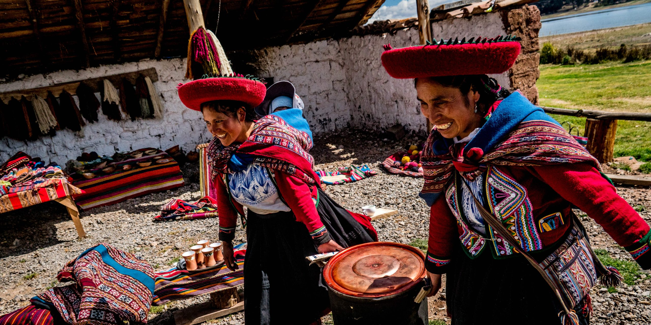 GVI volunteers in Cusco work together with local Peruvian people to make a sustainable impact