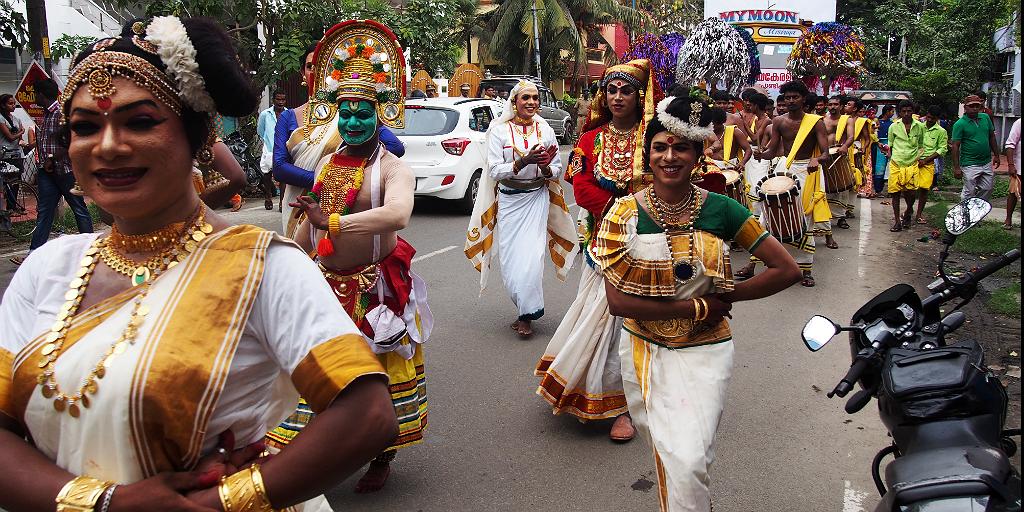 Voyagez au Kerala, en Inde, et voyez des danseurs de Kathakali.