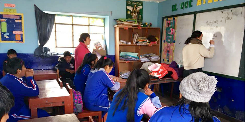 Teach children of different ages in Peru to plan for a successful future by providing them with the skills that they need to access employment opportunities in the tourism industry.