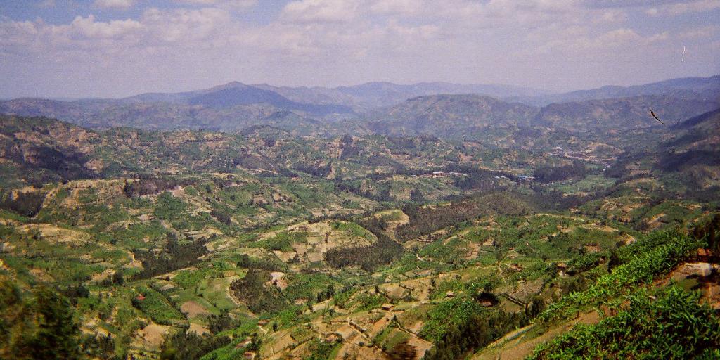 rwanda landscape - the perfect ecotourism destination